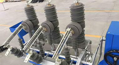 Operation method and precautions of high voltage circuit breaker